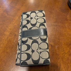 Coach wallet, barely used, like new
